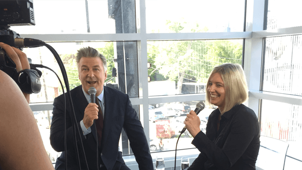 Kelly chats with Alec Baldwin!