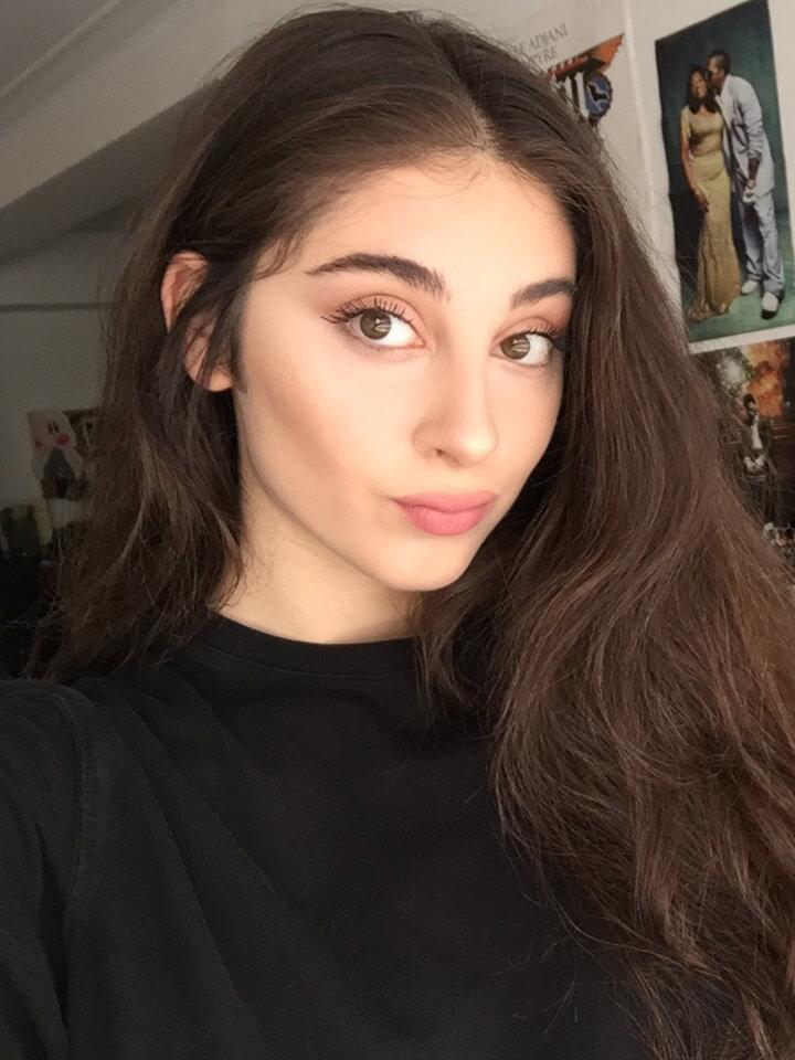 Elizabeth Axais